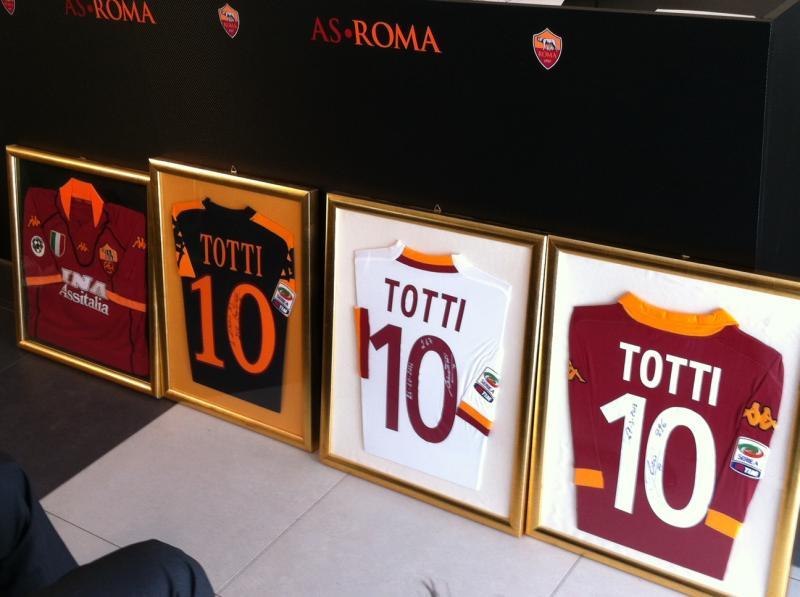 Alle Trikots von Totti wurden ausgestellt