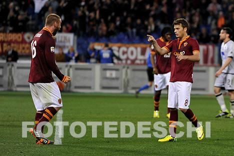 Die beiden besten Spieler auf dem Platz: De Rossi und Ljajic feiern das 2-0 (fototedeschi)