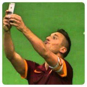 totti_selfie_duckface