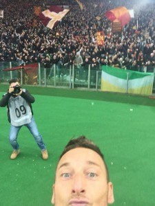 totti_selfie_original_asroma.it