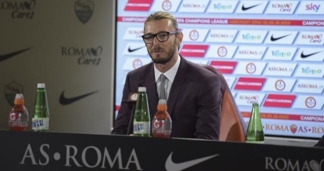 Federico Balzaretti bei seiner Pressekonferenz (asroma.it)